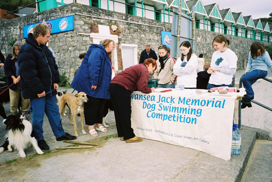 Swansea Jack memorial Dog Swimming Competition, 2003