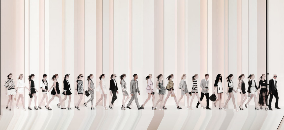 CHANEL Walk the line, Karl Lagerfeld and Models in Paris Fashion Show