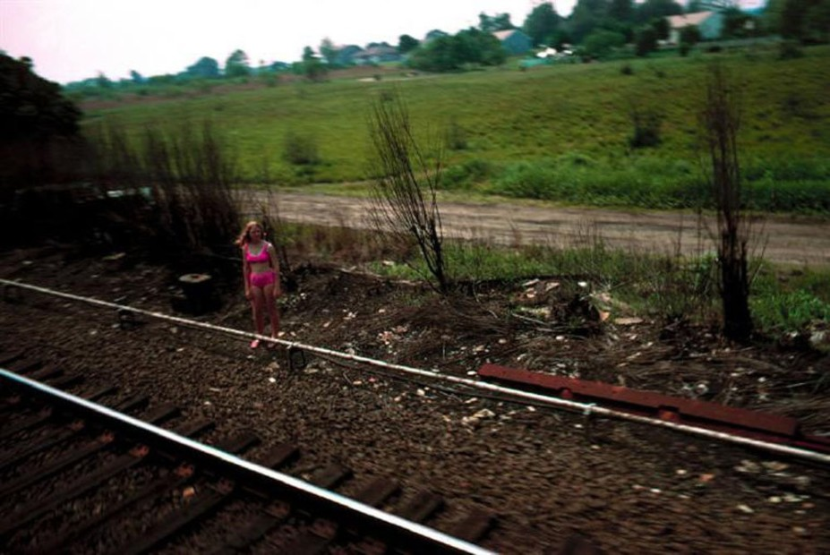Paul Fusco RFK Funeral Train #2630 chromogenic print paper size: 20 x 24 inchesimage size: 15 x 22 inches