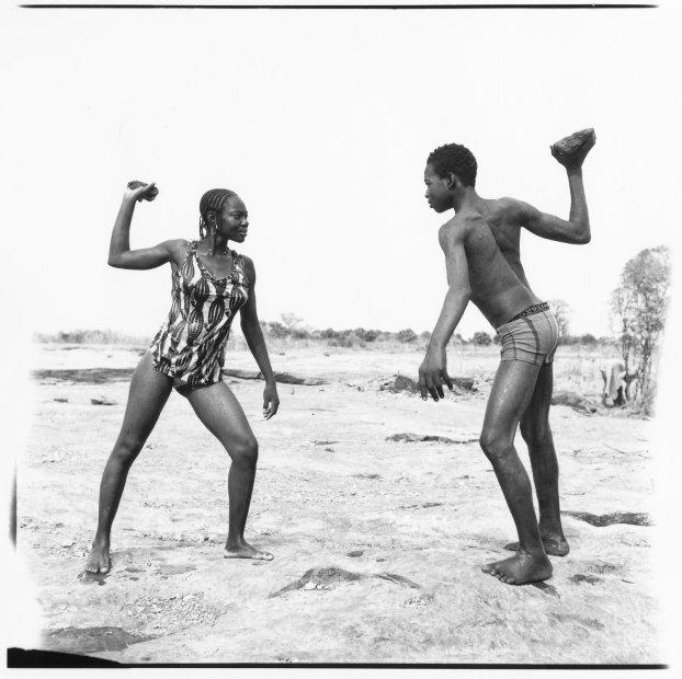 Malick Sidibé Combat des amis avec pierres gelatin silver print 48 x 48 inches