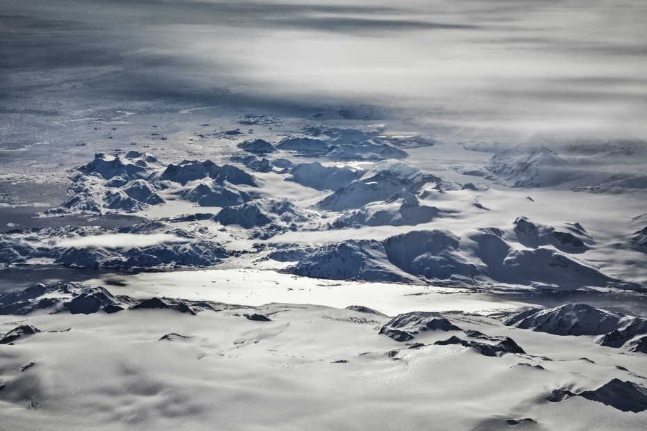 Scott Mead  LHR-SFO 03/15/2013 15:13:30  Glaciers, central Greenland  Copyright The Artist