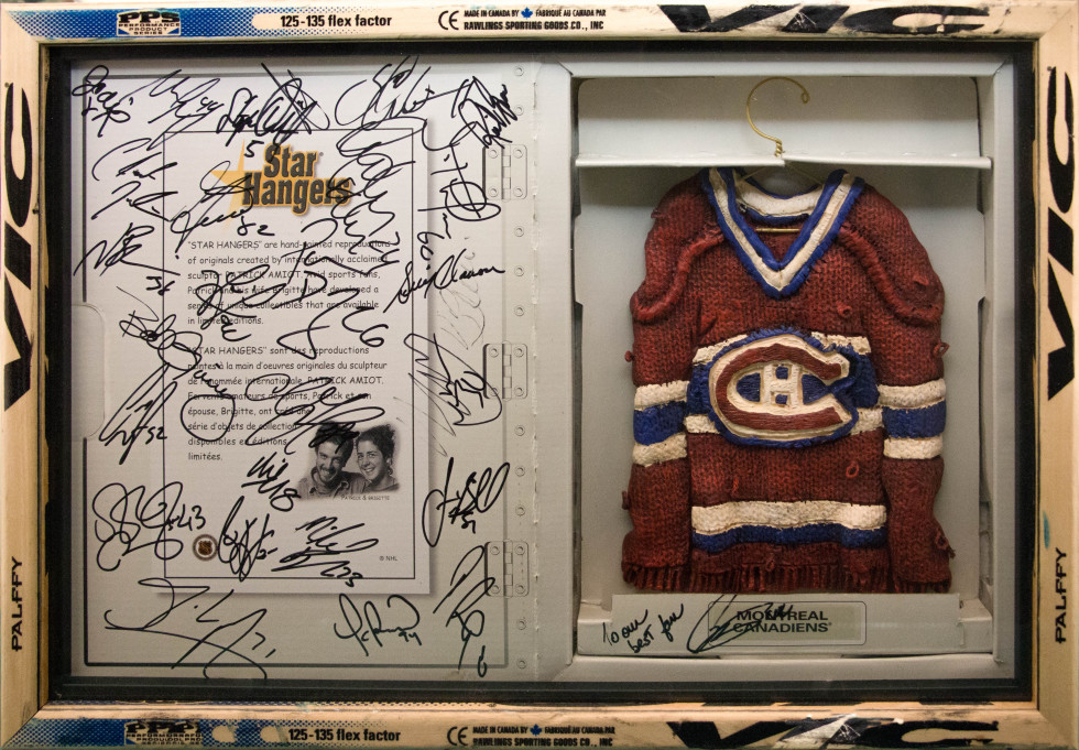 Patrick Amiot Locker Room (signed by players) - Vestiaire (signé par joueurs) Signed Mixed media - Media mixte 13 1/2 x 19 1/2 in 34.3 x 49.5 cm